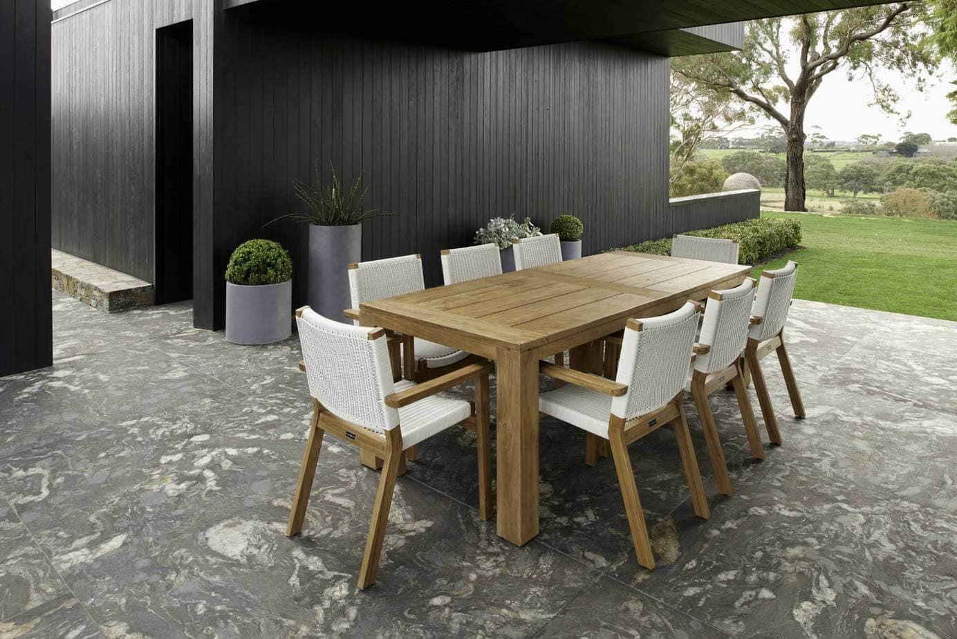 outdoor dining table, Vogue&Vine Landscape Design